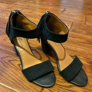 "Seychelles ""Hello Lovely"" heeled sandal"